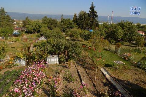 zahrada017