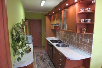 Prodej rekonstruované bytové jednotky 3+1 v Bruntále na ulici Uhlířská, Ev.č.: 00121