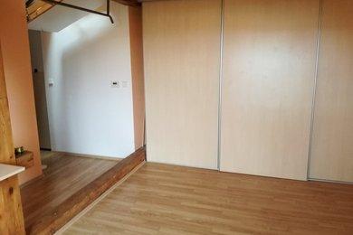 Prodej cihlové bytové jednotky 1+kk v Krnově na ulici Svatováclavská, Ev.č.: 00007