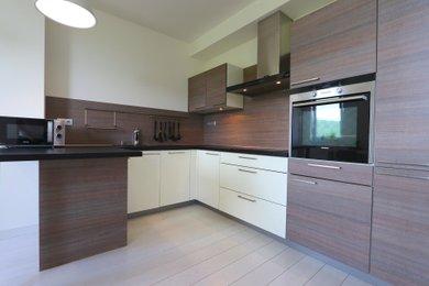 Prodej bytové jednotky o dispozici 3+kk v osobním vlastní, Praha- Modřany, Vorařská ulice, Ev.č.: 00081