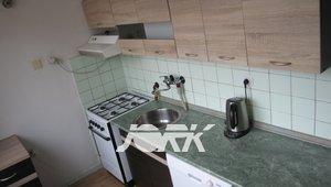 Pronájem byt 3+1, 69m² - Pardubice - Štrossova - částečně zařízený