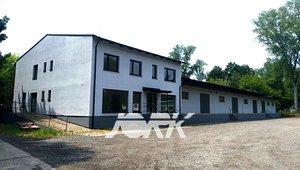 Výrobní a skladovací areál s administrativou Semtín (mimo Synthesii)  výměra až 22.000 m²