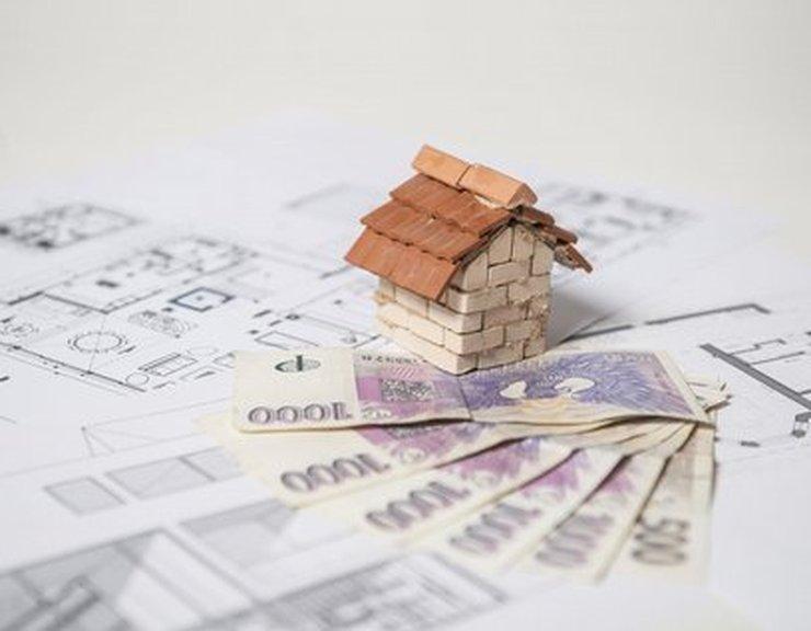 Zájem o hypotéky klesá už čtvrt roku v řadě, průměrná výše úvěru přesáhla 2,6 milionu Kč