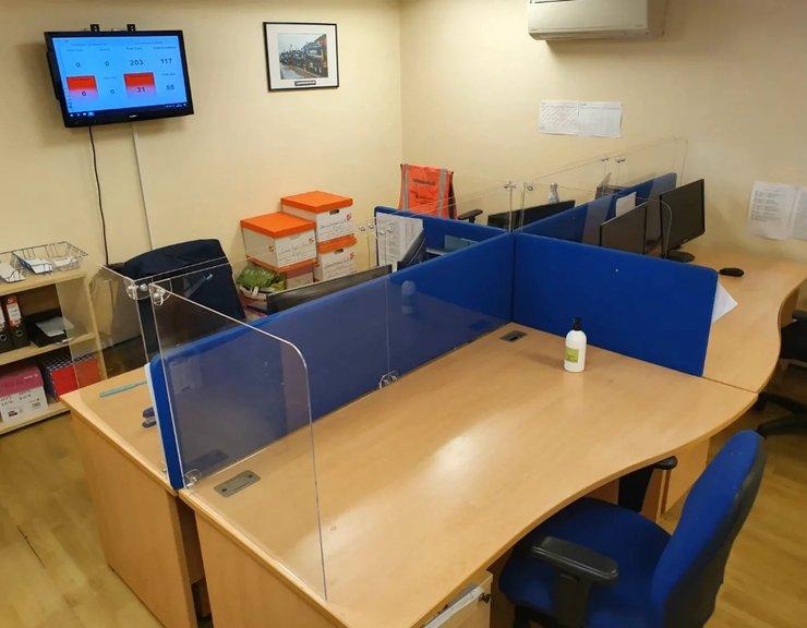 Jak efektivně a prakticky chránit lidi pracující v kancelářích proti COVID-19