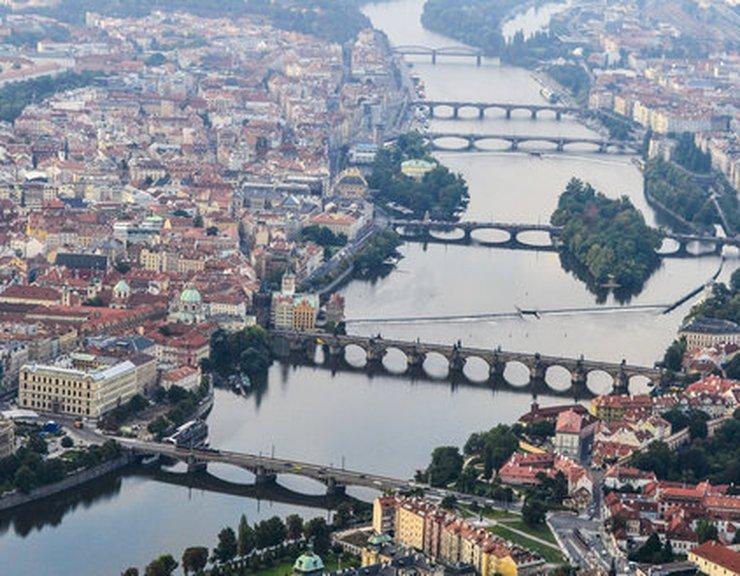 Praha se rozrostla o dalších sedm tisíc obyvatel, nových bytů však vznikla necelá polovina