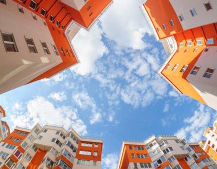 Schválení stavebního zákona je správným krokem, nové byty díky tomu mohou zlevnit o stovky tisíc
