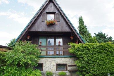 Prodej hezké, velké chaty s možností celoročního užívání na pozemku 323 m2, Zbraslavice, okr. Kutná Hora, Ev.č.: 001AF