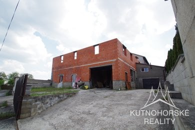 Prodej rozestavěného bytového domu obec Divišov u Benešova, Ev.č.: 004AF