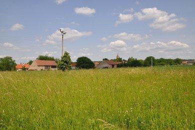 Prodej pozemku v obci Ohaře, okres Kolín - pozemek pro bydlení, 856m², Ev.č.: 001MM