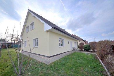 Prodej, Rodinné domy, 220m² - Cerhenice, Ev.č.: 031SB