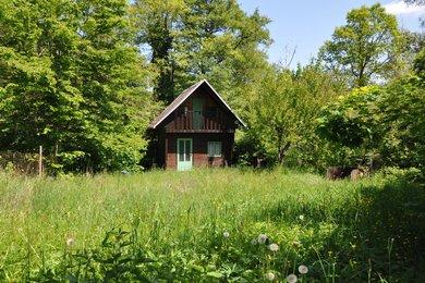 Prodej chaty na pozemku 400m2- Kutná Hora - Bylany, Ev.č.: MM0016