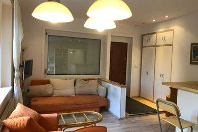 Pronájem udržovaného bytu ve vilové čtvrti s možností užívat zahrádku a s garážovaným stáním, Pod Kesnerkou, Praha, Ev.č.: 52049