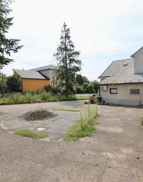 Prodej objektu Rostěnice u Vyškova, zastavěná plocha 420 m2, pozemky 2058 m2