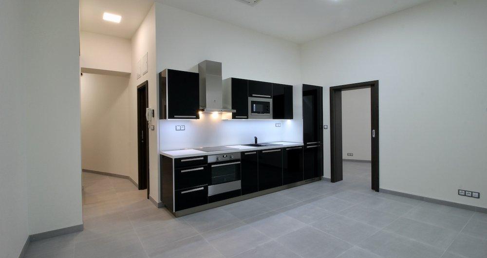 Pronájem plně klimatizovaného bytu 1+KK, 31 m2, Brno střed - Jakubské náměstí.