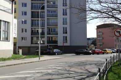 nabízí, pronájem, byty 1+kk Bezručova, Brno, Ev.č.: 18105