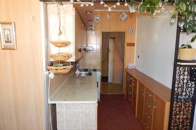 Prodej pěkného bytu 2+1 v OV s lodžií Tišnov v blízkosti centra, Ev.č.: 00020