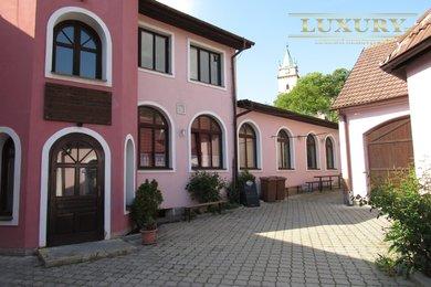 Pronájem bývalé restaurace s velkou zahrádkou Tišnov, 320 m2, Ev.č.: 00006