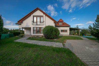 Prodej, rodinný dům 6+kk, 254 m2, Olomouc - Chomoutov, Ev.č.: 00023