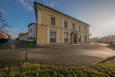 Prodej, rodinný dům 6+1, 320 m2, Velký Týnec, Ev.č.: 00065