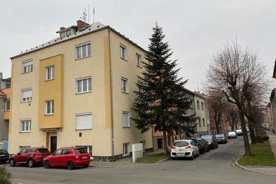 Pronájem, byt 1+kk, 38 m2, Olomouc, ul. Husitská, Ev.č.: 00074