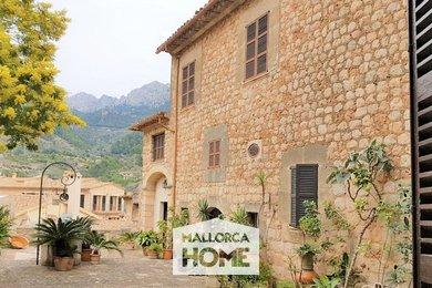 PRODEJ. Historický palác se zahradou v nejkrásnější vesnici ostrova. Fornalutx, Mallorca, Ev.č.: FO2060