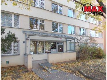 Pronájem bytu 1+kk/B, 29 m²,  Varnsdorfská, Praha 9 - Prosek  10 000,-Kč za měsíc