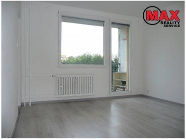 Pronájem bytu 1+kk/B, 29 m²,  Varnsdorfská, Praha 9 - Prosek  9 000,-Kč za měsíc