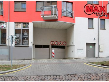 Pronájem garážového stání 14 m², Kloboučnická, Praha 4 – Nusle