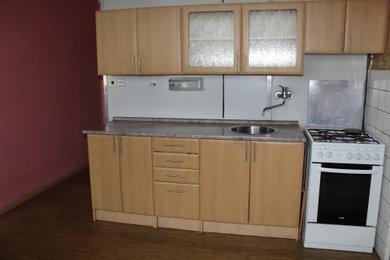 Prodej bytu 3+1 plocha 76,35 m², Baarova Hradec Králové, Ev.č.: 00045