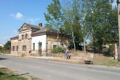 Prodej komerčního pozemku pro výrobu a skladování 1796m² - Praskačka, Ev.č.: 00050