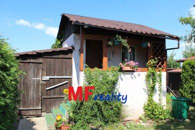 Prodej chaty  9m² na pozemku 336 m2 - Hradec Králové - Pouchov, Ev.č.: 00057