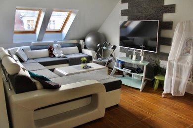 Prodej krásného mezonetového bytu 3+1 o celkové ploše 111 m2, s možným odkoupením terasy v centru Hradce Králové, ulici Klumparova, Ev.č.: 00061