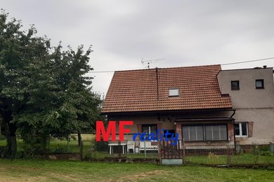 Prodej rodinného domu 5+1 s obytným podkrovím, sklípkem, garáží a pozemkem 828 m² - Vavřinec - Žíšov, vzdálené 40 km od Prahy, Ev.č.: 00070