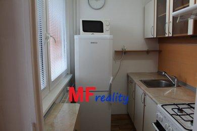 Pronájem rekonstruovaného bytu 1+kk o 34m² s lodžií - Hradec Králové, Ev.č.: 00073