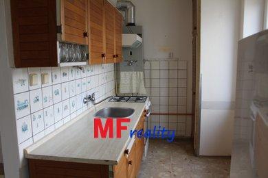 Prodej zděného bytu 3+1, o 67,76m² s balkonem a dvěma sklepy - Hradec Králové - Slezské Předměstí, Ev.č.: 00076