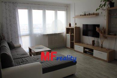 Nabízím k prodeji rekonstruovaný byt 3+1 o 63m² s balkonem a lodžií - Hradec Králové - Slezské Předměstí, Severní, Ev.č.: 00080