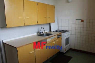 Prodej zděného bytu 2+1 o 55m2 v 2.podlaží, Hradec Králové - Slezské Předměstí, třída SNP, Ev.č.: 00088