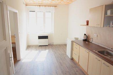 ZNOJMO - pronájem bytu 1+1, 36m², Ev.č.: 01356