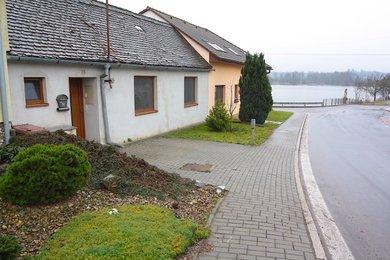 PLENKOVICE - prodej rodinného domu 3 +kk, 80m² obytné plochy, 30m2 dvorek, Ev.č.: 01501