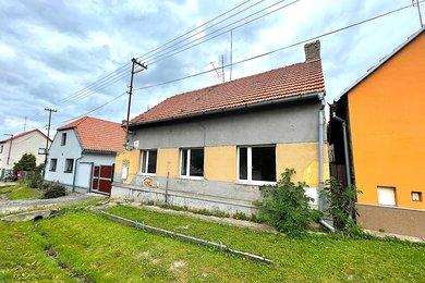 Chrášťany - prodej rodinného domu 120m2 a pozemku 441m2, Ev.č.: 01521