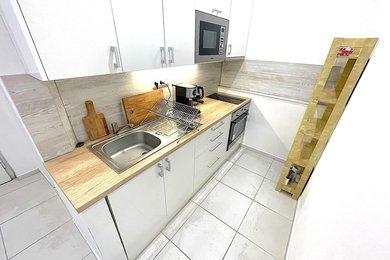 PRAHA - pronájem bytu 1+1, 32m², Ev.č.: 01537