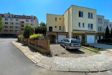 ZNOJMO - prodej rodinného domu, 161 m² ,  pozemek 261 m2, Ev.č.: 01639