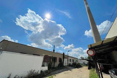 ZNOJMO - prodej dvou továrních hal 600m² , plocha pozemku 2 000 m2, Ev.č.: 01670
