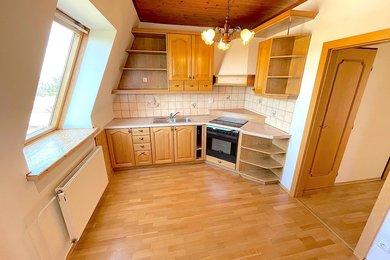 BOŽICE - pronájem bytu 3+kk, 74 m², Ev.č.: 01694