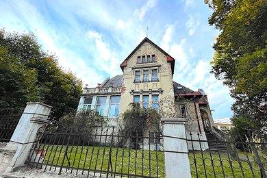 HUMPOLEC - prodej vily  6+1  o obytné podlahové ploše  236 m², Ev.č.: 01714