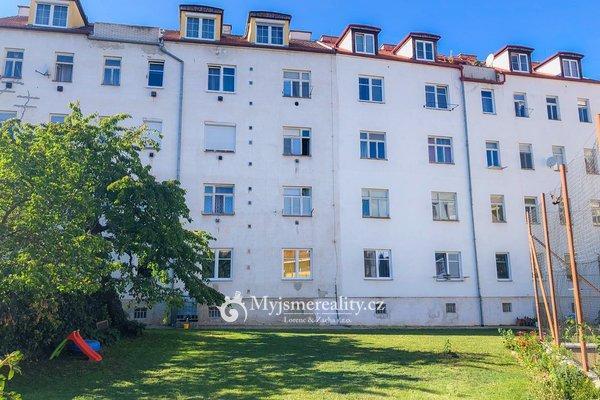 Pronájem, cihlový byt, 1+1, 44 m² - Znojmo, ul. Alšova