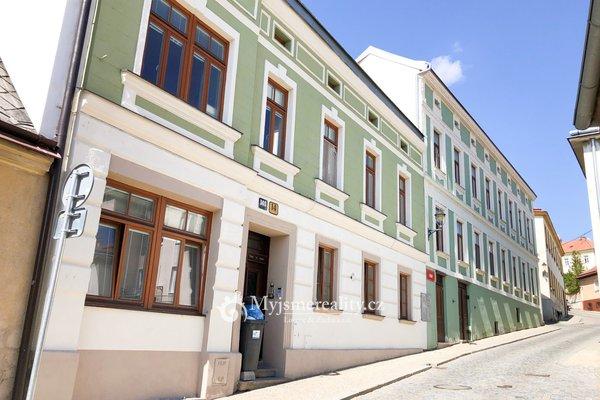 Pronájem, cihlový byty 1+1, 43 m² - Znojmo, ul. U Brány