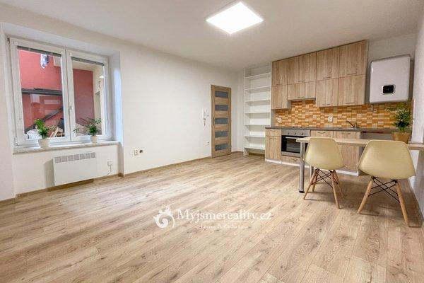 Prodej, Byt 2+kk, 43 m² - Znojmo, Stojanova