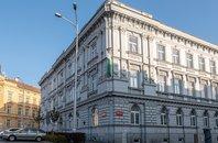 Prodej, komerčních prostor v centru města Znojma, 60m² až 250m²- Mariánské nám.