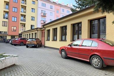 Pronájem, Kanceláře, 283m² - Hradec Králové, Ev.č.: 02020